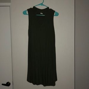 Green dress with v neck front